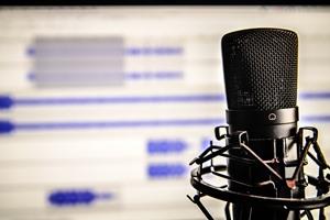 microphone-338481_1280.jpg.1